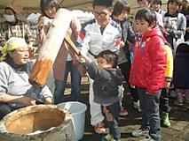 農大祭開催-その1。餅つき大会に阿部知事参加しました!