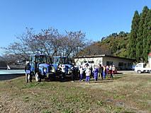 小学生が社会見学に来ました。